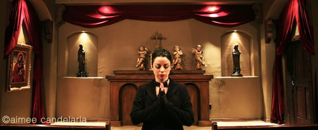 0237-Andrea-chapel-prayer-(wide)